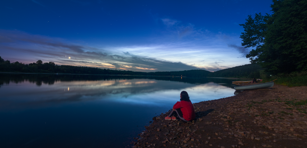 The girl, planetary duo and the Noctilucent clouds
