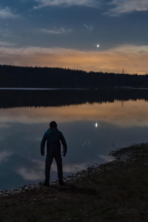 Gazing Venus and Pleiades